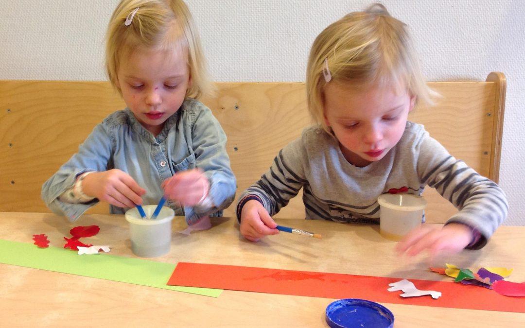 Naar school: tweeling samen in de klas of niet?
